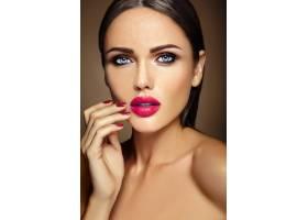 性感迷人的美女模特温馨写真清新的日常妆_6882616