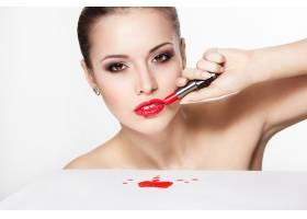 性感高加索年轻女模特写红唇魅惑妆容亮_7218614