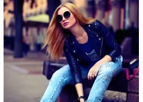 可爱有趣的现代性感都市年轻时髦的微笑女模_7169263