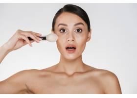 兴奋的女人美丽的肖像皮肤完美对着相机_6514588