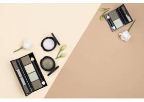 具有版面空间的美容产品布置_8667156