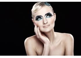 化妆艺术的美丽金发女郎_6900867