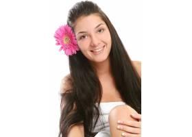一位迷人而美丽的年轻女子_6285841
