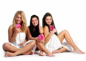 一群漂亮的年轻女子_6284635