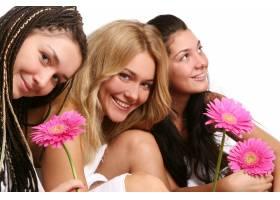 一群漂亮的年轻女子_6284693