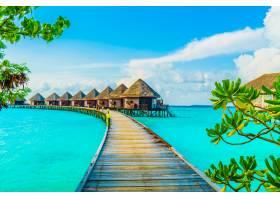 蓝色别墅美丽的海上酒店_104459101