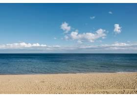 沙滩大海和蓝天的背景_501668301