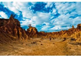 哥伦比亚省塔拉科亚沙漠中沙岩构成的美丽风_1011134001