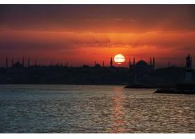 土耳其伊斯坦布尔的海上日出风光_301201801
