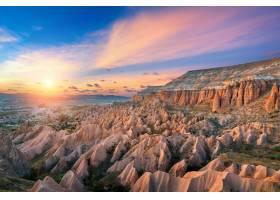 土耳其的卡帕多西亚的戈雷梅日落时分美丽_1176886801