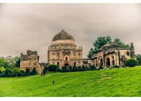 在多云的天空下拍摄的印度德里洛迪花园的美_1204545801