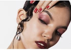 化妆的女模特脸_5930512