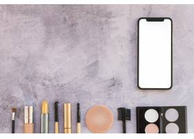 一套以智能手机为具体背景的化妆品_3661113