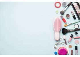 梳子附近的化妆用品_2110887