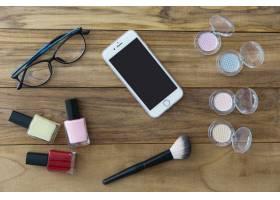 化妆品中的智能手机和眼镜_1607242