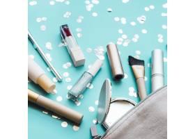 箱子里的化妆工具_4166653