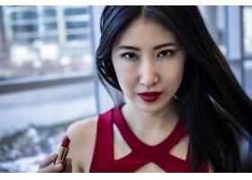 亚洲女模身着时尚性感红色连衣裙_10499751