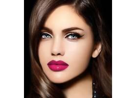 美丽性感时尚的高加索年轻女子肖像有着粉_6765696