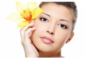 一位美丽的亚洲女性的洁白面孔隔离在白色_10881080