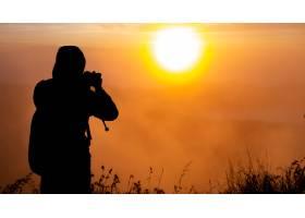摄影师在巴图尔火山拍摄太阳的黎明印度尼_10506955