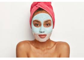 漂亮的女模特皮肤清新戴美容面膜头戴_12495717