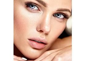性感迷人的美女模特每天化妆清新嘴唇裸_7251697