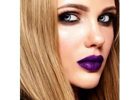 美丽的金发美女模特的性感魅力写真清新的_7252837