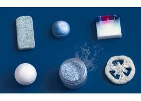 蓝色的不同身体护理用品_10377037