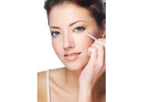 用白眼线画眼妆的美女写真_10626102