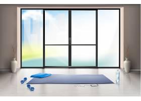 蓝色瑜伽垫和哑铃用于健身训练的空体育馆的_3519597