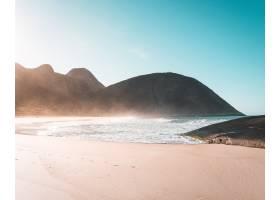 美丽的大海的沙滩晴朗的蓝天和阳光_9283024