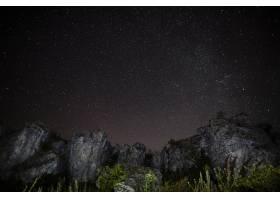 落基山脉和繁星点点的夜空_5451236
