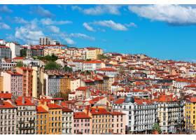 法国里昂蓝天城市的景色_10585754