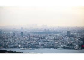 多云天气下的伊斯坦布尔景色多座低矮的和_11706217