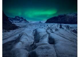夜晚的冰川和天空中的北极光_11812662