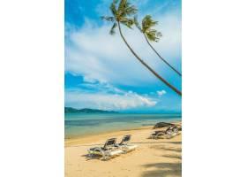 天堂岛上美丽的热带海滩和大海有椰子树和_3661837