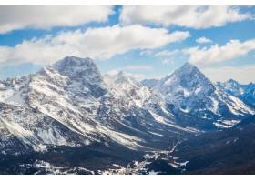意大利白云岩雄伟山脉的美丽镜头_13319427