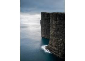 拍摄美丽的大自然如法罗群岛的悬崖大海_11358486