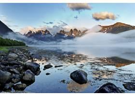挪威罗福滕令人叹为观止的镜面般的大海映_9077298