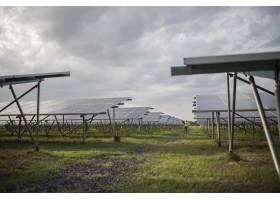 发电站中的太阳能电池场用于太阳能的替代_2887693