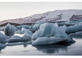 冰岛海上倒映的Jokulsarlon冰川泻湖美景_9076549