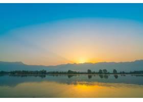 印度克什米尔达尔湖上的日出_1254531