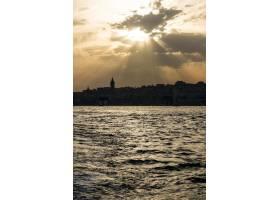 土耳其伊斯坦布尔多云的天空_3220780
