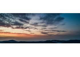 群山中的夕阳_1287263