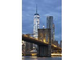 从纽约市布鲁克林大桥公园看黄昏的布鲁克林_10480113