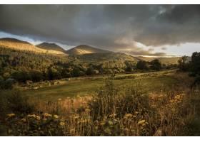 北爱尔兰莫恩山区日落时分拍摄的美丽山景_9283100