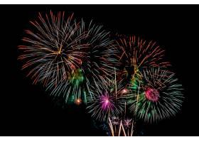 庆祝周年纪念的烟花汇演背景_5017261