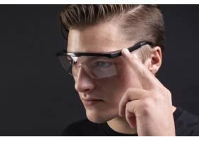 智能眼镜科技的未来_13313143