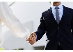 男女商业协议握手_2910910