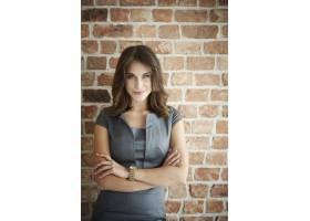 年轻漂亮的女商人肖像_13274101